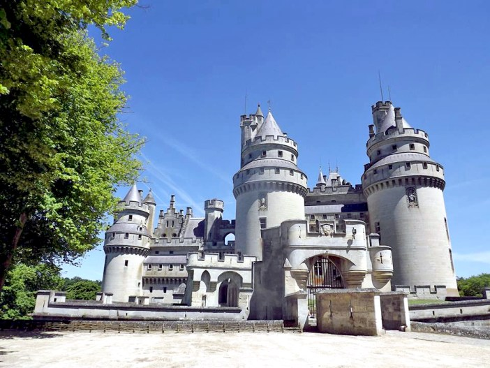 Pierrefonds Castle © Elisa11 - licence [CC BY-SA 3.0] from Wikimedia Commons