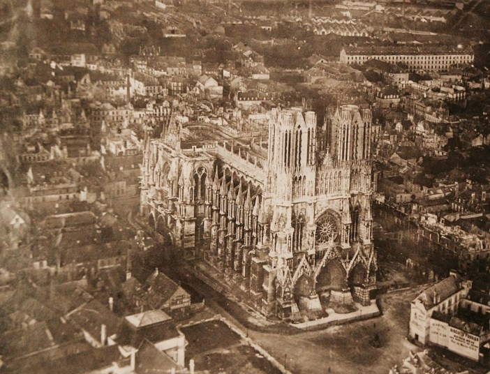 Reims Cathedral in 1916 - National Museum of the US Navy (Public Domain)