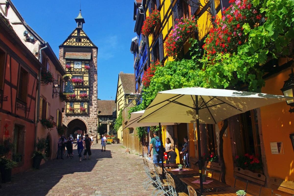 Discover The Alsatian Village Of Riquewihr
