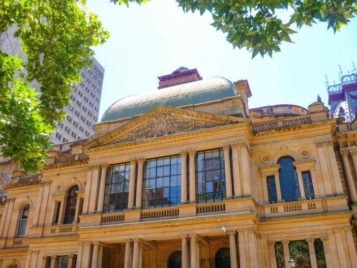 Sydney Town-Hall (side pavilion with dome) © French Moments