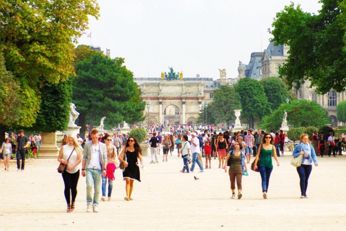 The Historical Axis designed by Le Nôtre at the Tuileries garden (towards the Louvre) © French Moments