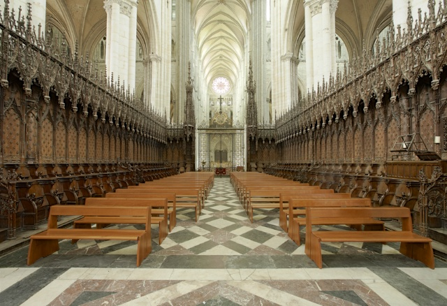 The stalls of Amiens Cathedral © PMRMaeyaert, Creative Commons (CC BY-SA 3.0)