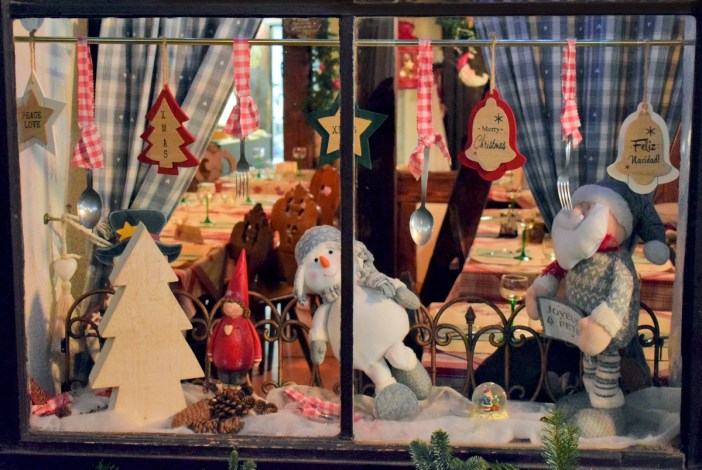 Shop front in Strasbourg © French Moments