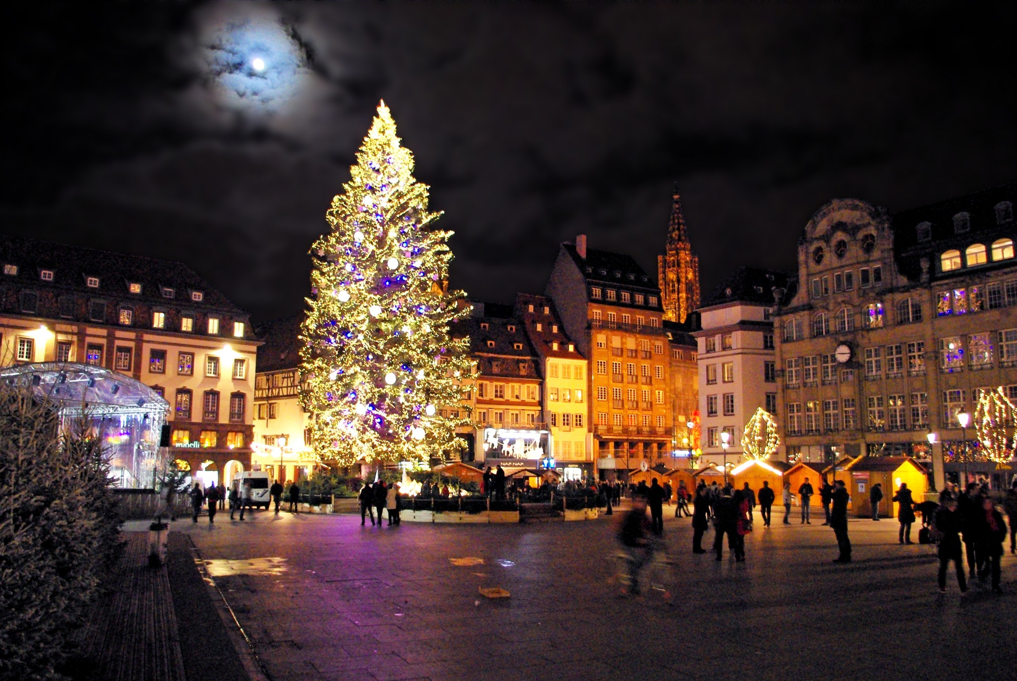 Strasbourg France Christmas Time.Discover The Strasbourg Christmas Market French Moments
