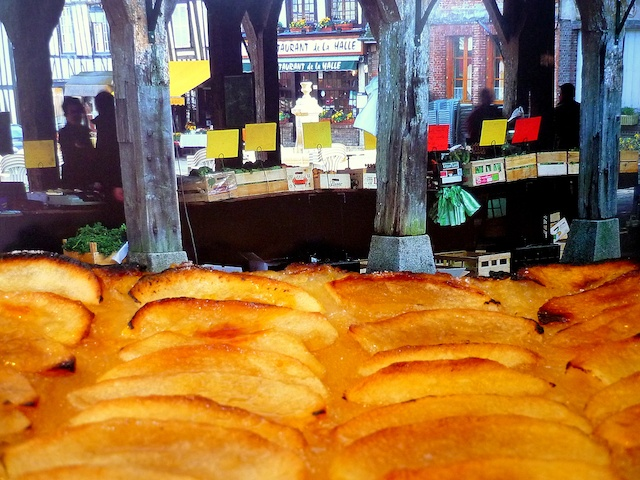 Tarte aux Pommes Normande © French Moments
