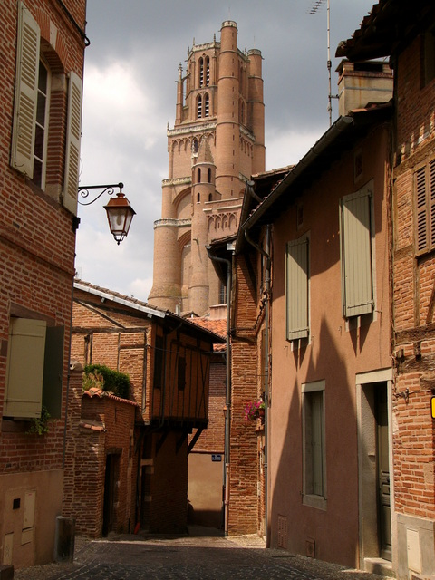 Albi Old Town © G.Lanting licence [CC BY-SA 3.0], from Wikimedia Commons