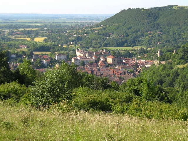 Crémieu from Blied © luigifab, licence [CC BY-SA 3.0], from Wikimedia Commons