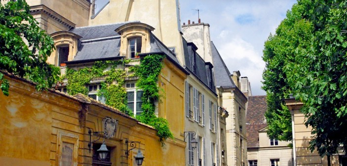 Marais District Paris © French Moments