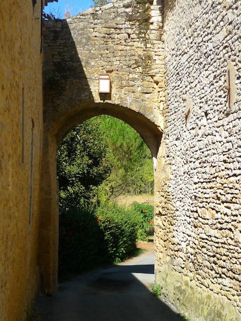 Porte du Récluzou, Limeuil, Périgord © French Moments