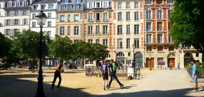 Place Dauphine Paris © French Moments
