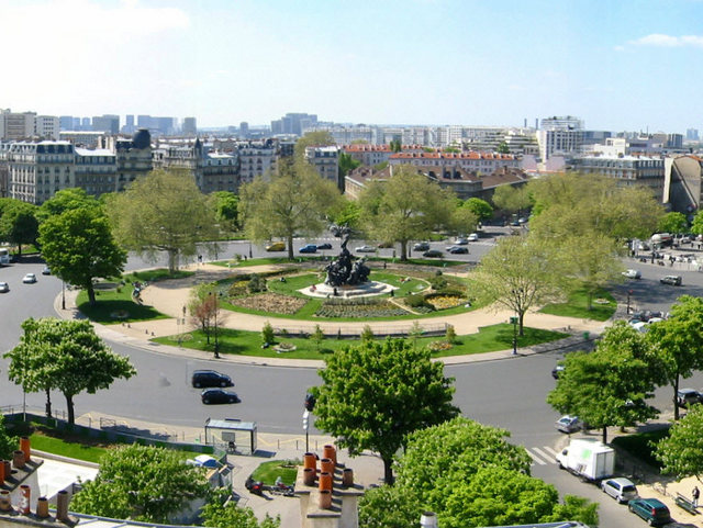 Place de la Nation © Francoise de Gandi - licence [CC BY-SA 2.5] from Wikimedia Commons