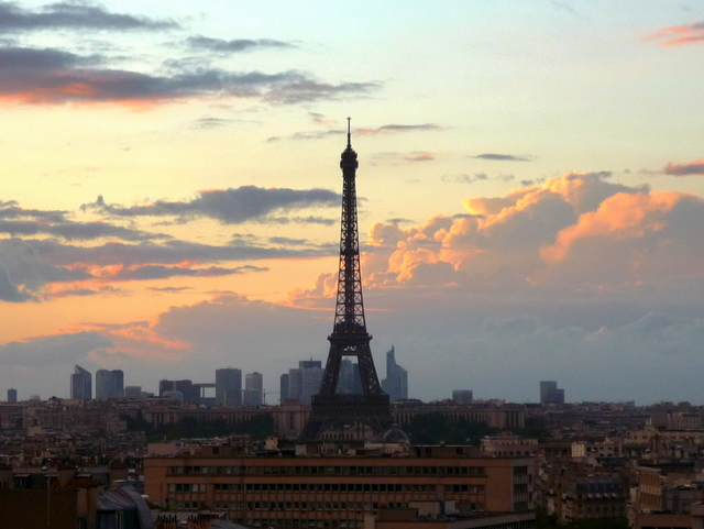 Eiffel Tower at sunset 03 © French Moments