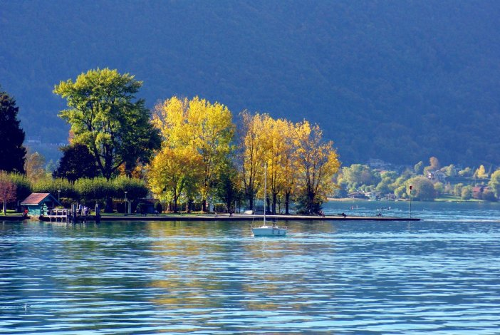 Lake Annecy in Lake Annecy in Autumn © French Moments