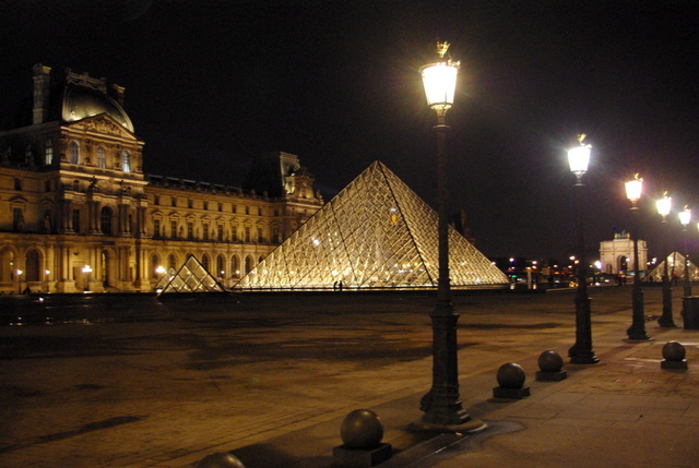 Louvre Night 11 © French Moments