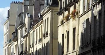 Rue Saint-Louis-en-l'Île © French Moments