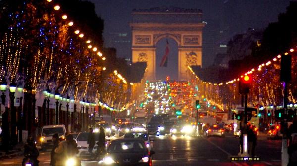 Champs-Élysées Christmas 2014 © French Moments