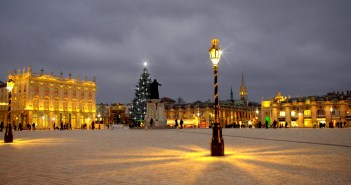 Nancy Place Stanislas Christmas copyright French Moments