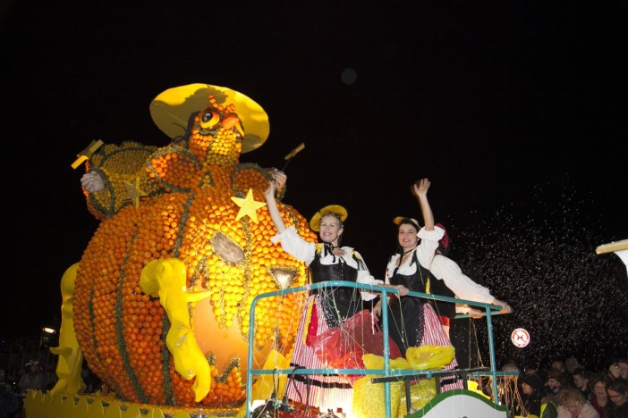 Mardi-Gras in France - The Lemon night parade © Ville de Menton