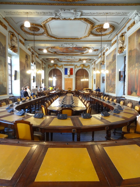 Toulouse Capitole Council Room © Don-vip - licence [CC BY-SA 3.0] from Wikimedia Commons