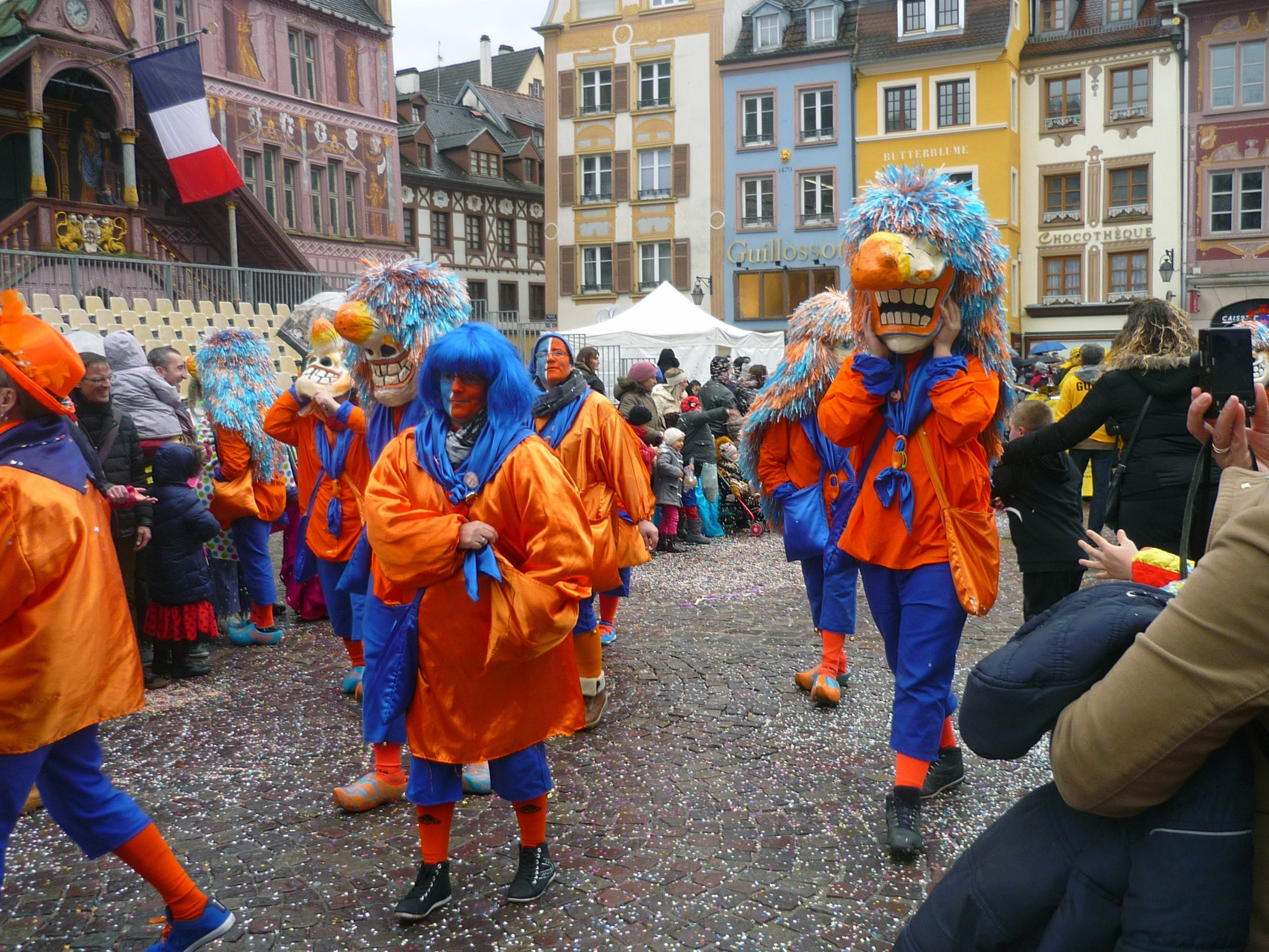the history of mardi gras in france Mardi gras had been celebrated as a major holiday in france since the middle ages (the official holiday began in 1582, when the pope sanctioned mardi gras as an official christian holiday to mark the beginning of lent) the early explorers and settlers of both new orleans and mobile arrived with a tradition of mardi gras and adapted the.