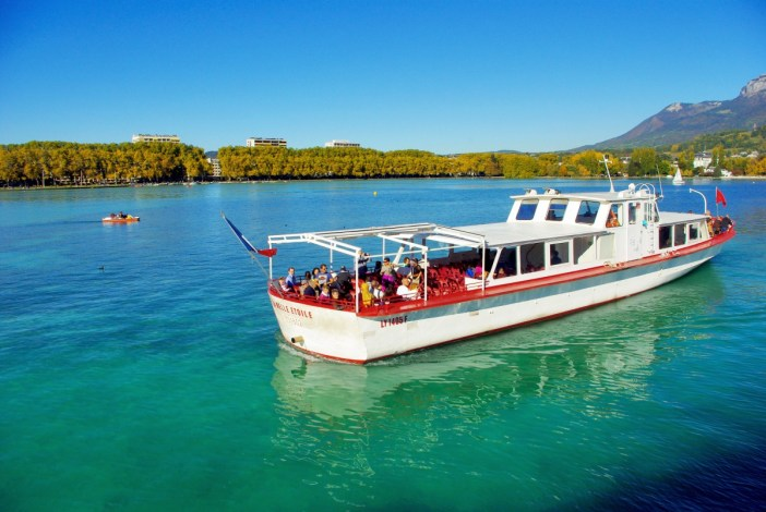 Cruise on Lake Annecy © French Moments