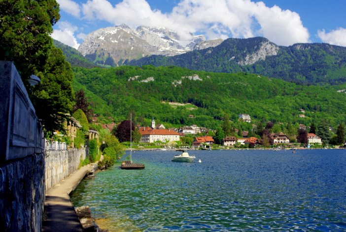 The bay of Talloires © French Moments