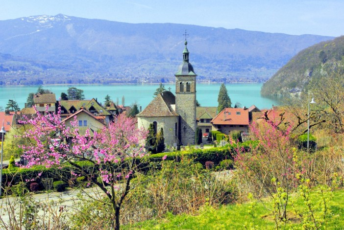 Spring in Talloires © French Moments