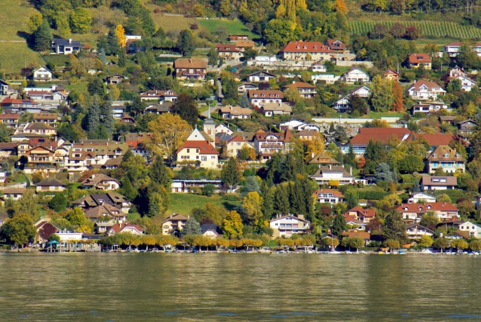 Veyrier seen from Lake Annecy © French Moments