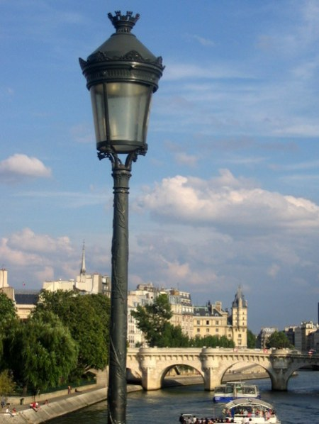 French Light Poles : Lamp posts of paris french moments