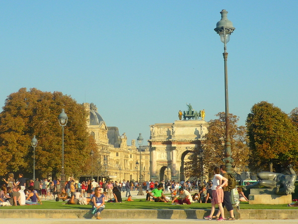 Lamp post at the Tuileries © French Moments