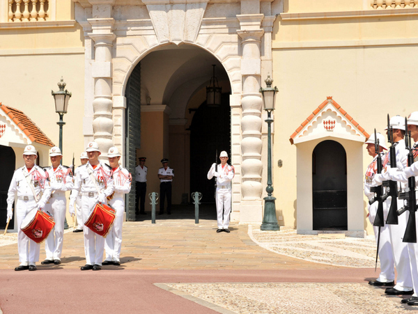 Relève de la Garde © Monaco Press Centre Photos