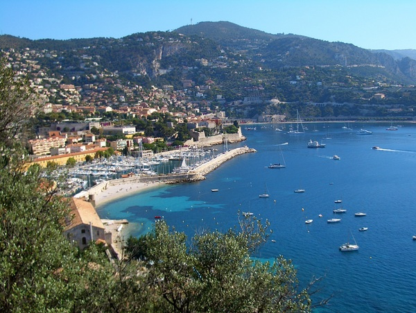Villefranche-sur-Mer © Vmenkov - licence [CC BY-SA 3.0] from Wikimedia Commons