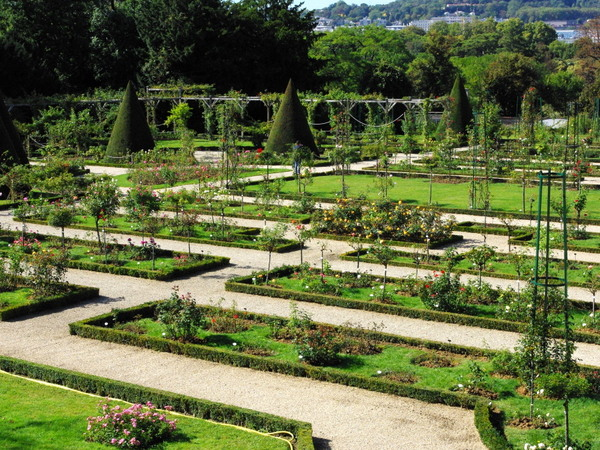 Rose garden, Parc de Bagatelle © French Moments