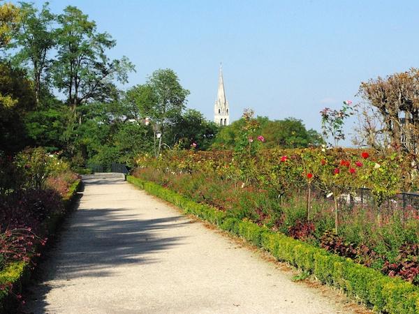 Rose garden, Parc de Saint-Cloud © French Moments