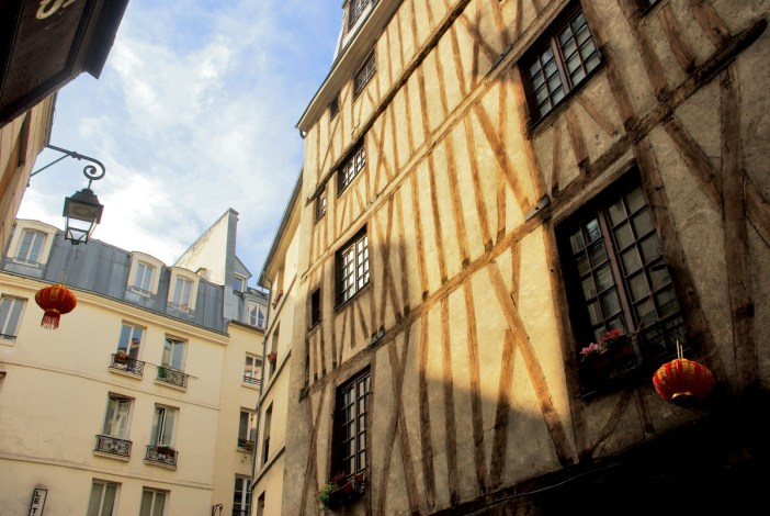 Half-timbered house at 3 Rue Volta, Paris © French Moments