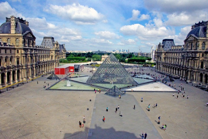The First arrondissement at the Louvre © French Moments