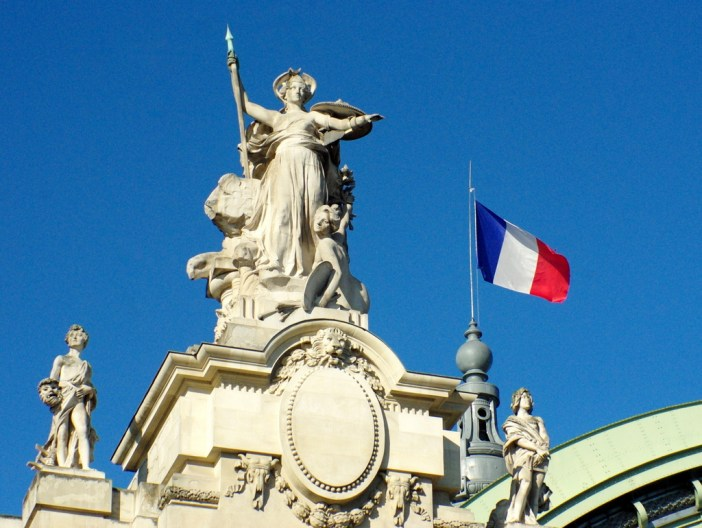 French flag on Grand Palais © French Moments