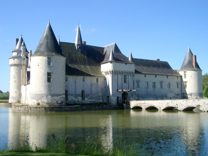 Le Plessis-Bourré Castle © NonNobis - licence [CC BY-SA 3.0] from Wikimedia Commons
