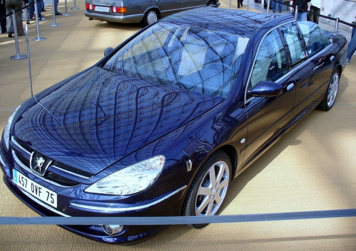 Peugeot 607 used on the inauguration of Nicolas Sarkozy in 2007 © Thomas doerfer - licence [CC BY-SA 3.0] from Wikimedia Commons