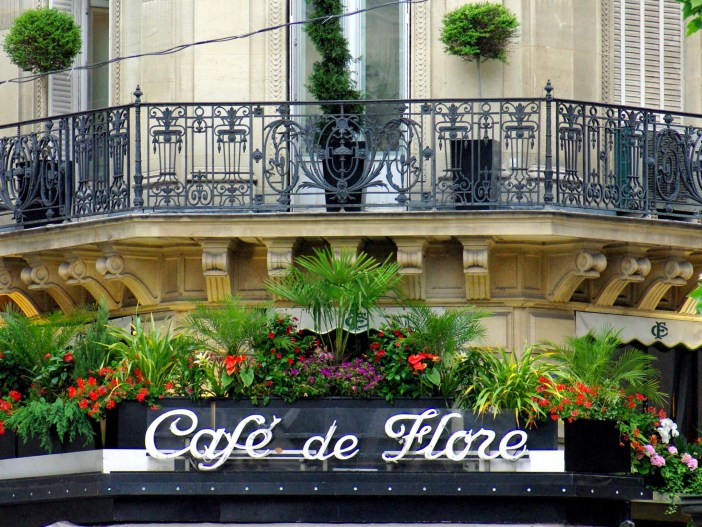 3 days in Paris: Café de Flore, Saint-Germain-des-Prés © French Moments