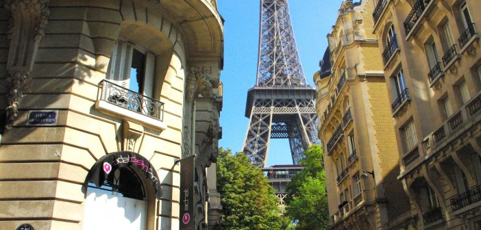 Tour Eiffel Perspective © French Moments