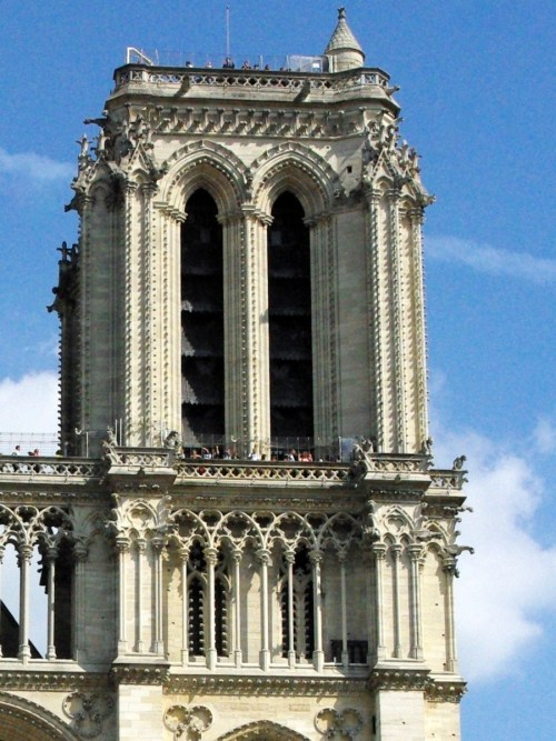 The South tower, West Façade of Notre-Dame © French Moments