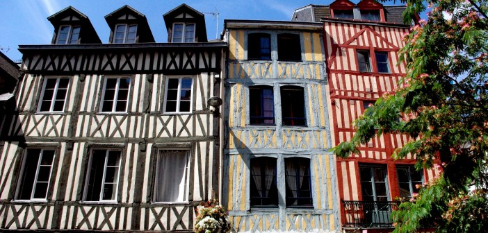 Place Saint Amand in Rouen copyright French Moments