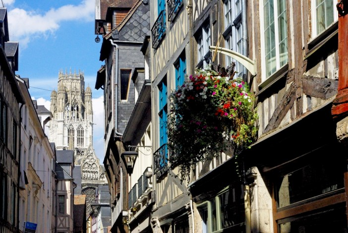 Walking in the old town of Rouen: Rue Damiette and the lantern tower of Saint Ouen © French Moments