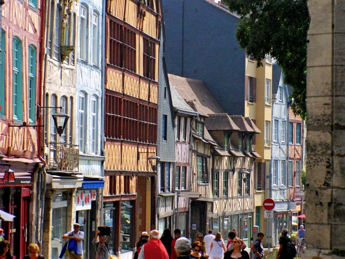 romantic destinations in France: Rouen © French Moments