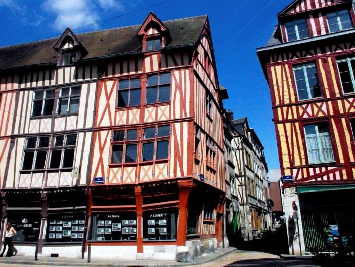 Rue des Bons Enfants, Rouen © French Moments