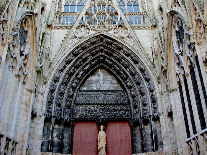 Cour des Libraires Rouen Cathedral copyright French Moments