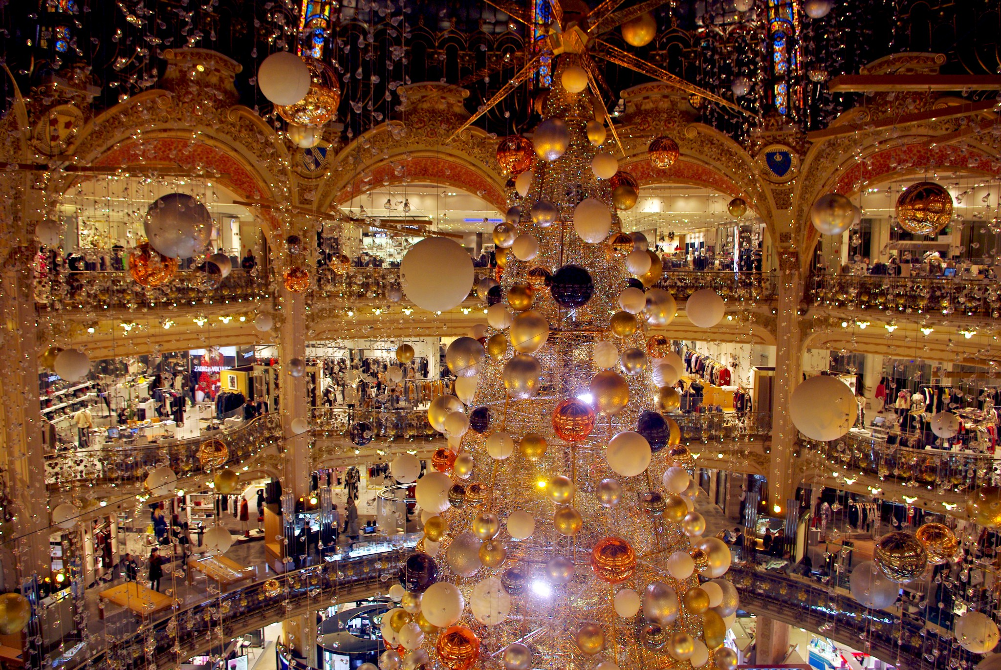 #B23E19 Christmas At Galeries Lafayette Haussmann In 2015 French  5433 décorations de noel galeries lafayette 2014 2048x1371 px @ aertt.com