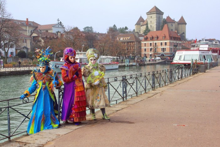 Mardi-Gras in France - Annecy Venetian Carnival © French Moments