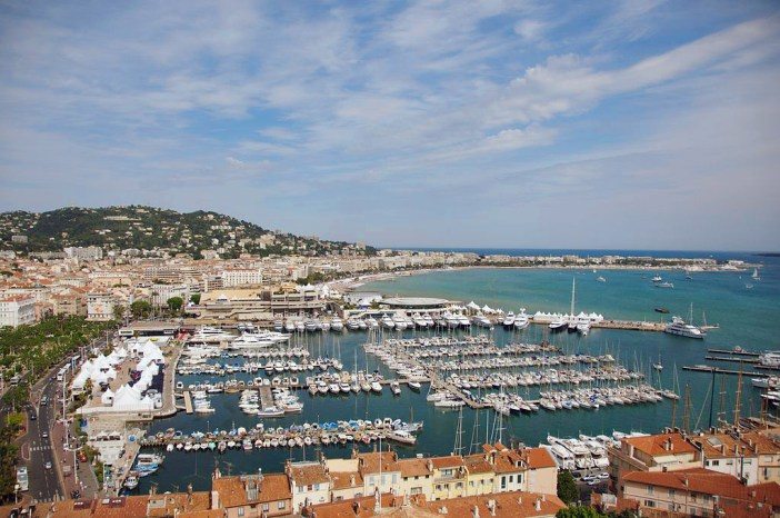 Baie de Cannes © fr.zil - licence [CC BY-SA 2.0] from Wikimedia Commons